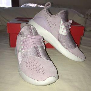 Nike Lunarcharge Premium Sneaker Sz 7